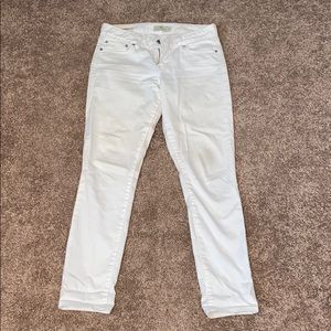 White ankle cut jeans